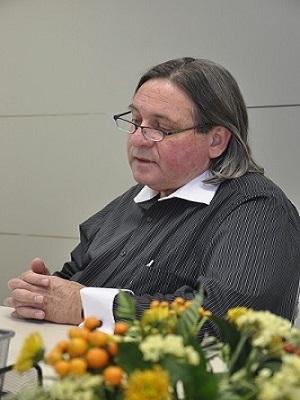 проф.Гутман на конференции