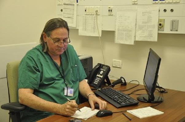 проф. Гутман перед операцией